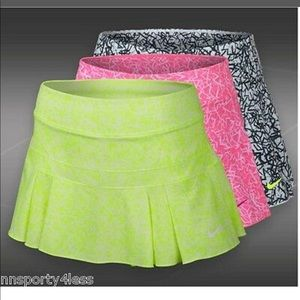 Nike tennis or athletic Skirt size M neon yellow